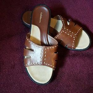 Tan casual slide sandal